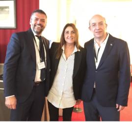 Los Drs. Dal Moro y Sanz Jaka con Eva Parte de la empresa ABEX