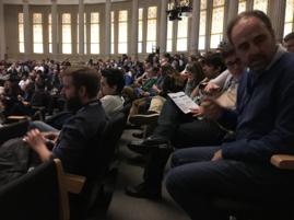 Todos atentos al inicio de la Sesión