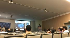 Urólogos del SHUD atentos a la conferencia del Dr. Cathelineau