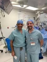 El Dr. P Melendo con el Dr. I Gill